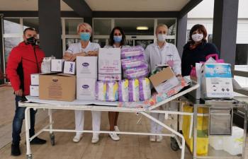 """Udruženje """"Srce za djecu koja boluju od raka"""" uručilo donacije za hematoonkološka odjeljenja u Tuzli i Sarajevu"""